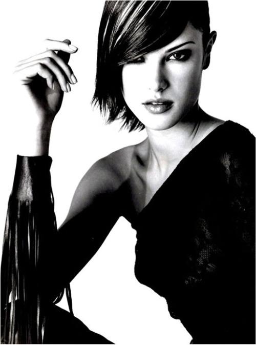 Alessandra Ambrossio en blanco y negro